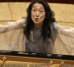 Mitsuko Uchida featured image credit Hyou Vielz