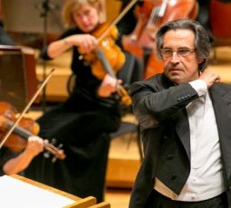 9/20/12 8:50:14 PM -- Music Director Riccardo Muti conducts the Chicago Symphony Orchestra in Dvorák's  Symphony No. 5  during the opening of the CSO's 2012/13 season at Orchestra Hall. Credit Todd Rosenberg