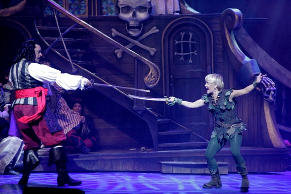 Brent Barrett as Captain Hook and Cathy Rigby as Peter Pan at Cadillac Theatre Broadway in Chicago credit Isaac James
