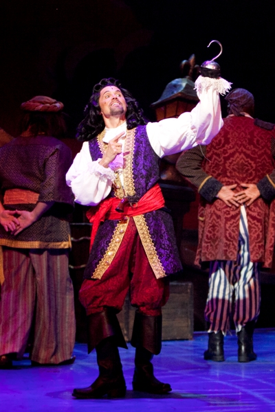 Brent Barrett as Captain Hook in Peter Pan at Cadillac Theatre Broadway in Chicago 2013 credit Isaac James