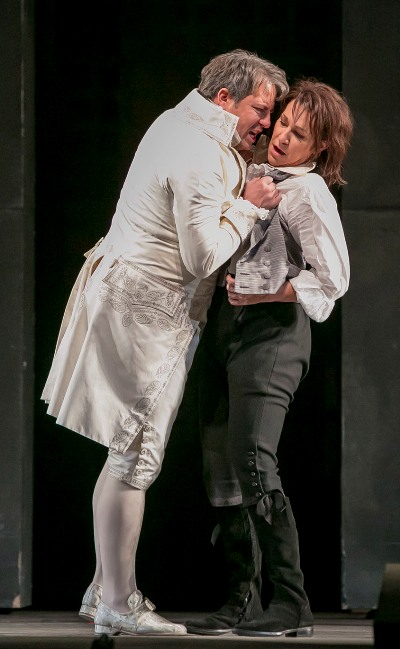 When Titus (Matthew Polenzani) discovers the treachery of Sesto (Joyce DiDonato), he demands an explanation that Sesto, protecting Vitellia, will not give.