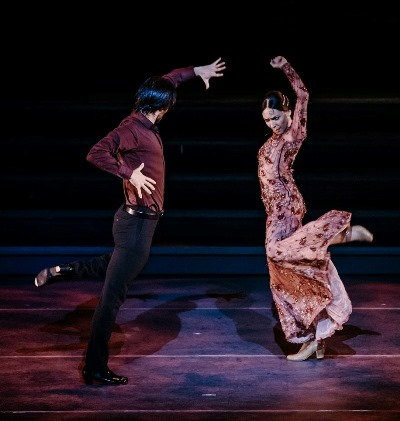 A flamenco duo spices 'Heartbeat of Home.' (Courtesy Broadway in Chicago)