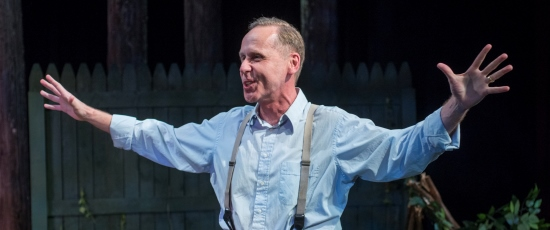 Chuck Spencer plays a father with a heavy conscience in Arthur Miller's 'All My Sons' at Raven Theatre. (Dean LaPrairie)