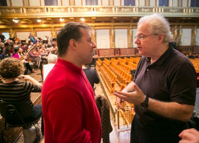 CSO principal clarinet Stephen Williamson, left, chats with pianist Emanuel Ax, who dropped in during a Musikverein rehearsal. (Todd Rosenberg)