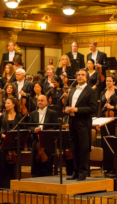 Riccardo Muti and the Chicago Symphony receive applause in the Musikverein. (Todd Rosenberg)