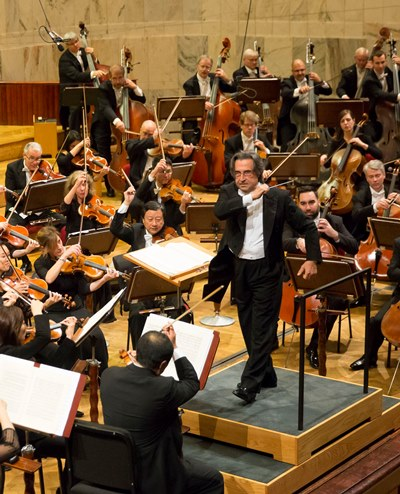 Riccardo Muti conducts the 'Nabucco' Overture as an encore in Warsaw. (Todd Rosenberg)