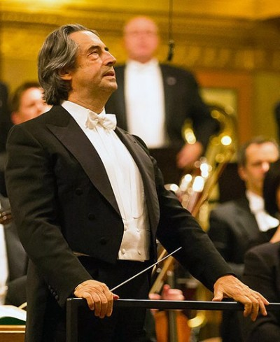 Riccardo Muti acknowledges applause at the Vienna Musikverein. (Todd Rosenberg)