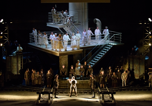 A scene from Mieczyslaw Weinberg's 'The Passenger,' Lyric Opera Chicago 2015 (Robert Kusel)