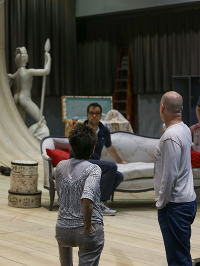 Barbara Gaines explains how she wants the scene to go in Mozart's 'The Marriage of Figaro' at Lyric Opera of Chicago. (Andrew Cioffi)