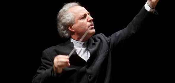 Conductor Manfred Honeck led the Chicago Symphony in lyrical Tchaikovsky.