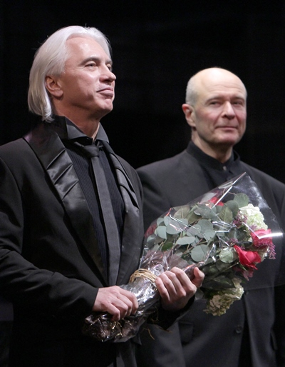 Hvorostovsky and pianist Ivari Ilja share the final ovation. (Dan Rest)