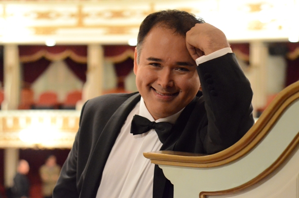 Tenor Javier Camarena delivered a recital rich in mellifluous high notes at the Harris. (Jonathan Muró)