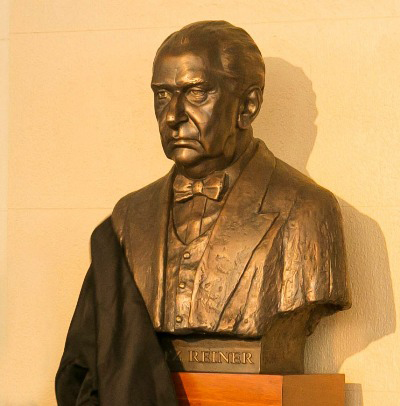 The Reiner bust by Gerő is in the Symphony Center foyer. (Todd Rosenberg)