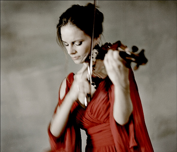 Violinist Julia Fischer traveled the spiritual side of Beethoven's concerto.