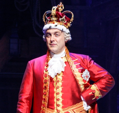 alexander-gemignani-as-king-george-in-hamilton-da-da-da-dat-joan-marcus-2016