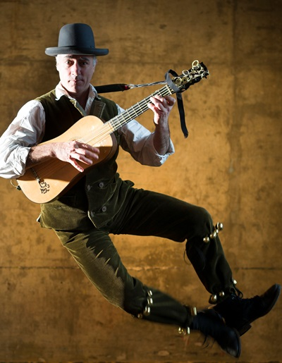 Steven Player specializes in the bawdy humor of Elizabethan jigs.