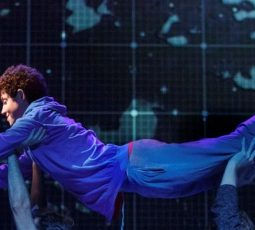 curious-incident-of-the-dog-in-the-night-time-feature-image-joan-marcus