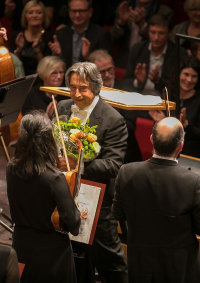 Roses for a happy Riccardo Muti after the CSO's second concert in Aalborg. (Todd Rosenberg)