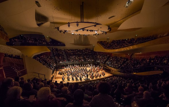Riccardo Muti leads the Chicago Symphony Orchestra in a performance at the Paris Philharmonie. (Todd Rosenberg)
