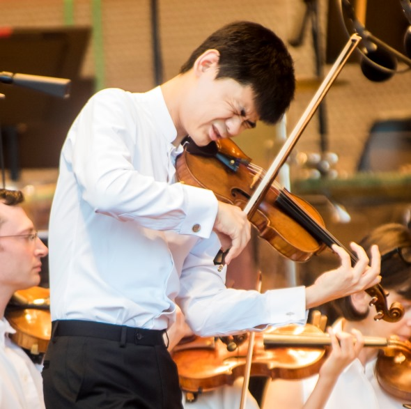 Angelo Xiang Yu was the soloist in Saint-Saens' Viiolin Concerto No. 3 with the Grant Park Orchestra. (Norman Timonera)