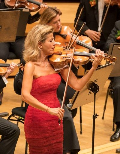 Anne-Sophie Mutter's Tchaikovsky was a thriller that ended in a sprint. (Todd Rosenberg)