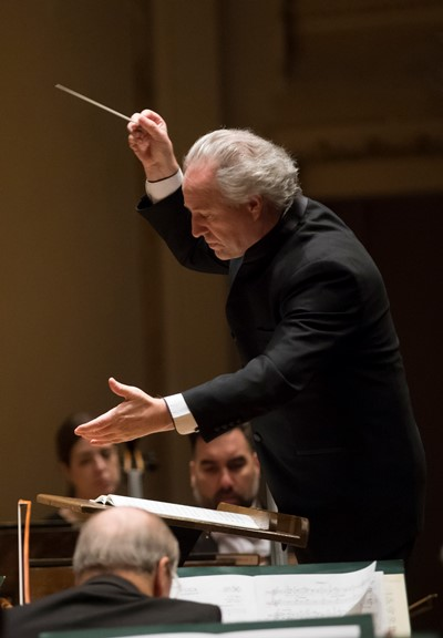 Honeck's Schubert matched brisk tempos with indulgent lyricism. (Todd Rosenberg)