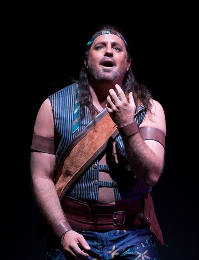This time, Nadir (Matthew Polenzani) cannot contain his passion for the beautiful priestess. (Todd Rosenberg)