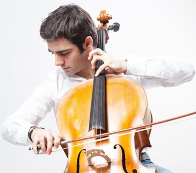 Pablo Ferrández takes on the solo cello role in Prokofiev's Sinfonia Concertante.